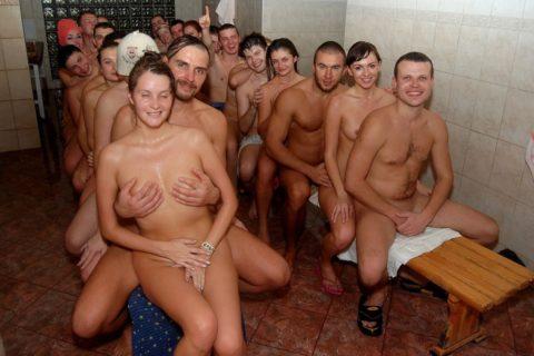 海外の混浴サウナが美女のオマンコ天国な件(画像31枚)・26枚目