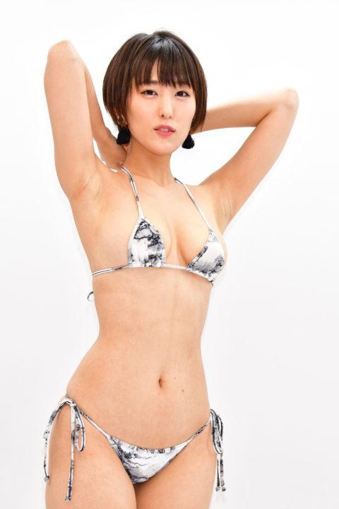 【朝比奈祐未】乳首もガッツリ写ってる巨乳・美尻・セクシーグラビア画像集(39枚)・4枚目