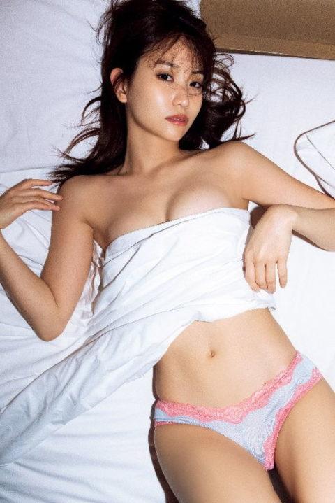 【永尾まりや】元AKB48がおっぱい揉まれる濡れ場や過激グラビアに勃起不可避!!!(画像79枚)・58枚目