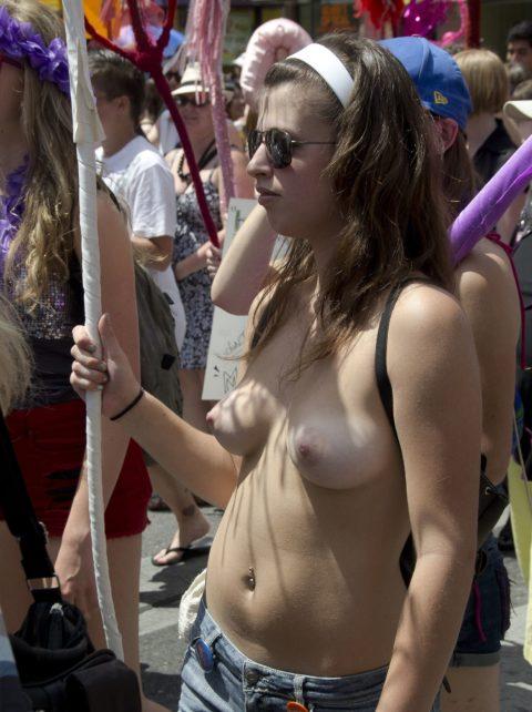 【勃起不可避】海外の裸族さんたちをご覧ください(画像35枚)・6枚目