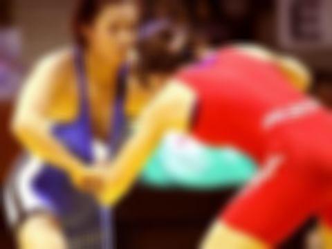 【ポロリあり】女子格闘技のエロハプニング画像集(34枚)・1枚目