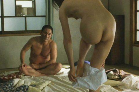 鈴木京香 ヌード画像54枚!乳首モロ出し全裸セックスがエロすぎて抜けるwww・1枚目