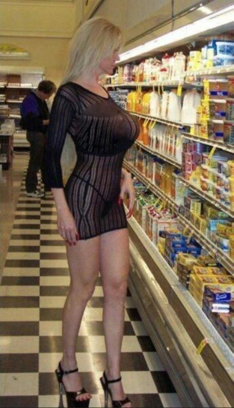 【海外】スーパーで挑発してくるエロ美女が多すぎて買い物に集中できんわ!!!(画像35枚)・10枚目