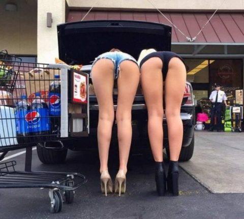【海外】スーパーで挑発してくるエロ美女が多すぎて買い物に集中できんわ!!!(画像35枚)・11枚目