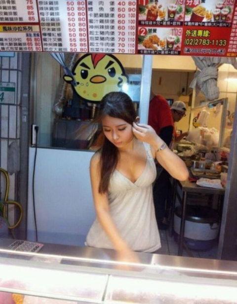 台湾の屋台の売り子がなぜかエロ過ぎる件(画像33枚)・12枚目