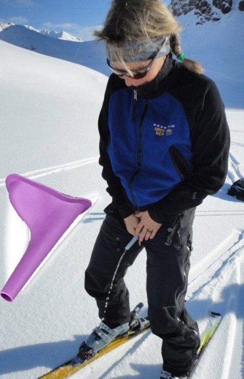 【野外放尿】雪の上でオシッコしたらこうなるwwwwwwwww(画像25枚)・25枚目