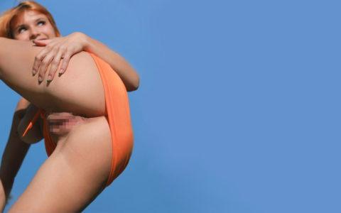 【ほぼパイパン】女のマンコを下から見上げた盗撮風エロ画像集(35枚)・27枚目