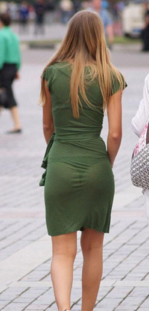 シースルーファッションで街中を歩く半露出狂の女性たち(画像40枚)・29枚目