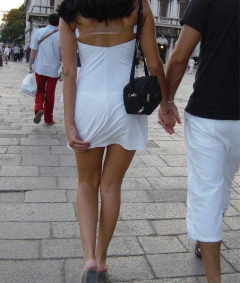 シースルーファッションで街中を歩く半露出狂の女性たち(画像40枚)・33枚目