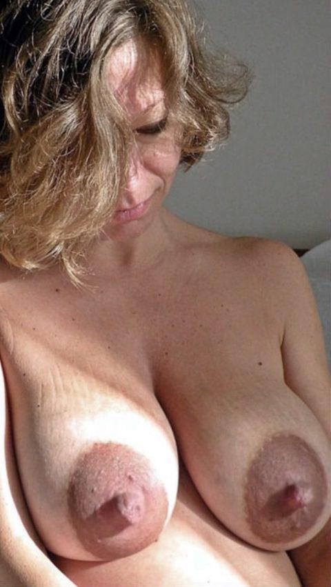 萎える?逆に萌える?ガッカリ乳首・乳輪の女の子たち(画像36枚)・36枚目