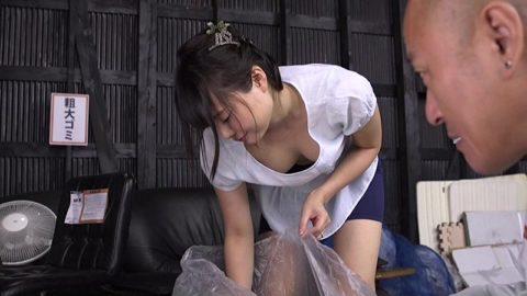 ゴミ出しの時にノーブラで誘ってくるお隣の奥さん設定AV大好きwwwwww(画像20枚)・7枚目
