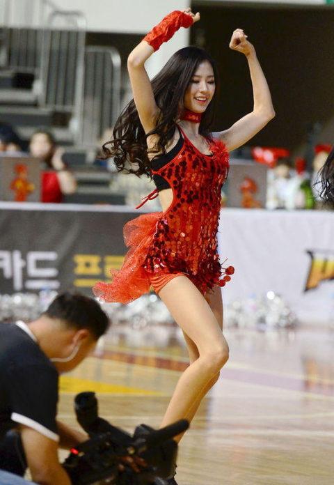 韓国のチアガール、期待を裏切らないセクスィーさwwwwwwwwww(画像38枚)・10枚目