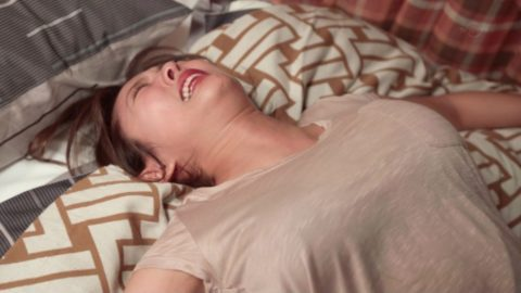 Fカップ巨乳にむしゃぶりつきたい夏菜のセクシーキャプ画像(50枚)・12枚目