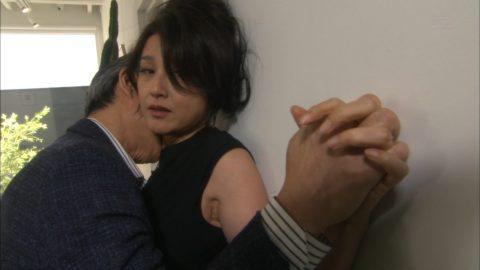 藤原紀香姉さんがナマ巨乳を鷲掴みにされるお宝エロキャプ画像など(28枚)・12枚目