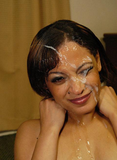 黒人女性に大量の精液をぶっかけた結果。芸術作品みたいになる(46枚)・16枚目