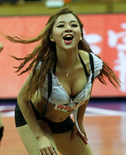 韓国のチアガール、期待を裏切らないセクスィーさwwwwwwwwww(画像38枚)・20枚目