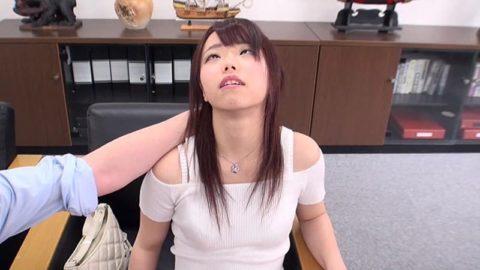 【画像】AVの「催眠術企画」ガチだと証明される。この顔はアカン。。(45枚)・20枚目