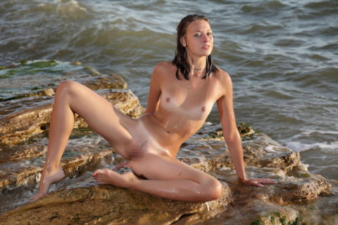日焼け跡が生々しい外人素人女子のエロ画像集(50枚)・23枚目