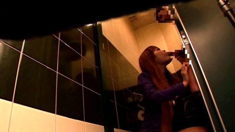 【有能】No1キャバ嬢がトイレで行っている枕営業が撮影されるwwwwwww(画像あり)・28枚目