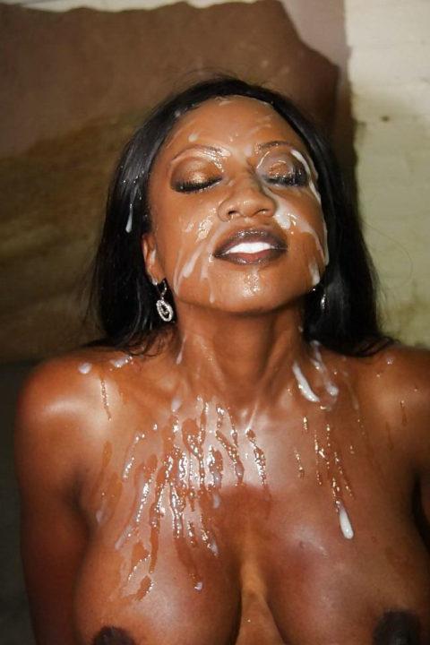 黒人女性に大量の精液をぶっかけた結果。芸術作品みたいになる(46枚)・37枚目