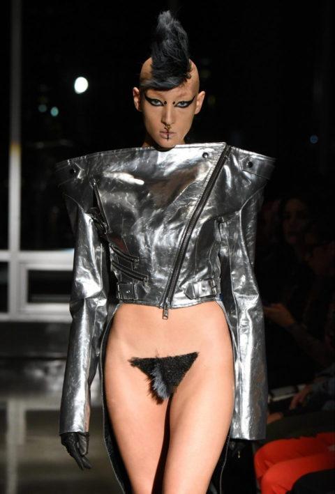 完全にトチ狂った海外のファッションショー、笑いを取りに行ってるの?wwwww(画像38枚)・1枚目