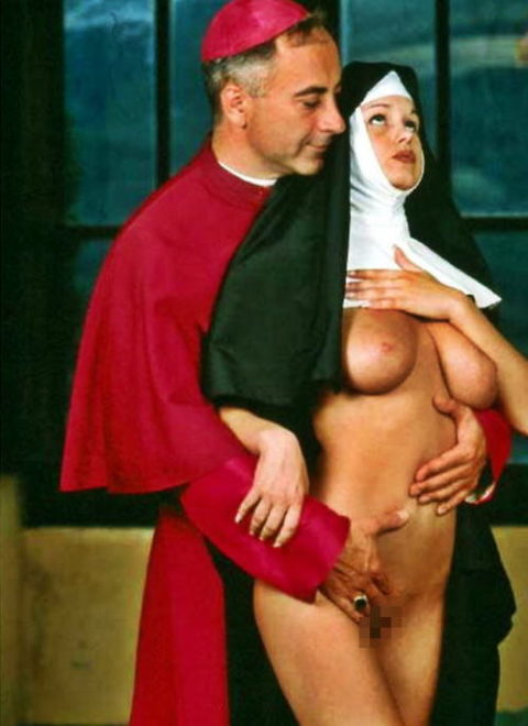 神に仕える修道女さん、教会ではこんな事してる・・・バチ当たりやなwwwww(画像33枚)・1枚目