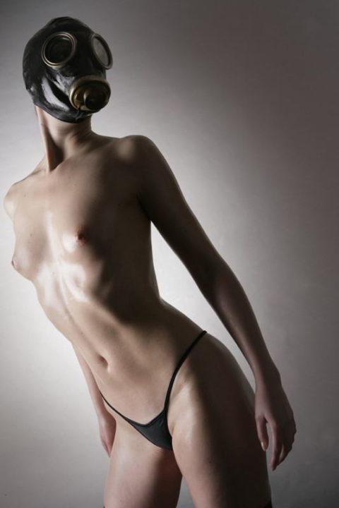 【マニアック】世界のアブナイ奴、ガスマスク付けてセックスする・・・(画像あり)・12枚目