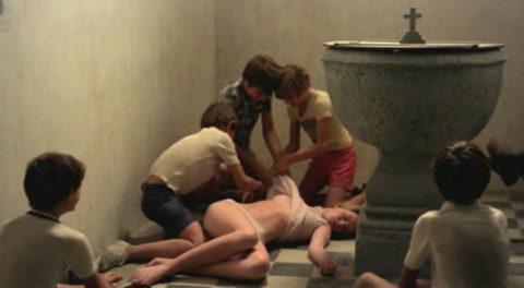 【グロエロ】映画唯一のエロシーン、ただ全裸の女性は遺体です。興奮する??(23枚)・15枚目