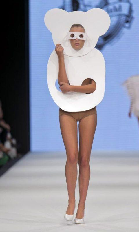 完全にトチ狂った海外のファッションショー、笑いを取りに行ってるの?wwwww(画像38枚)・17枚目