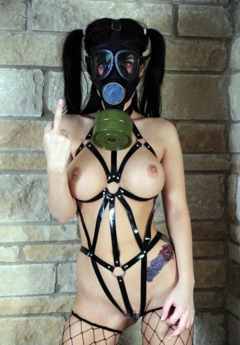 【マニアック】世界のアブナイ奴、ガスマスク付けてセックスする・・・(画像あり)・18枚目