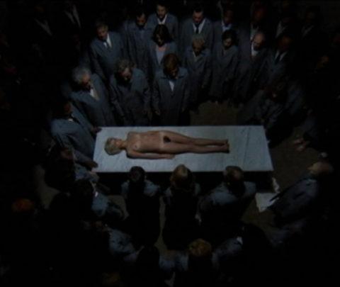 【グロエロ】映画唯一のエロシーン、ただ全裸の女性は遺体です。興奮する??(23枚)・22枚目