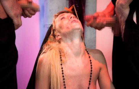 神に仕える修道女さん、教会ではこんな事してる・・・バチ当たりやなwwwww(画像33枚)・23枚目