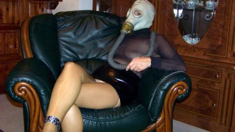 【マニアック】世界のアブナイ奴、ガスマスク付けてセックスする・・・(画像あり)・3枚目