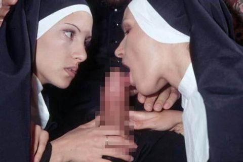 神に仕える修道女さん、教会ではこんな事してる・・・バチ当たりやなwwwww(画像33枚)・31枚目