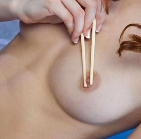 """【悲報】似非日本人まんさん、""""箸""""の使い方を間違ってしまう・・・(画像あり)・32枚目"""