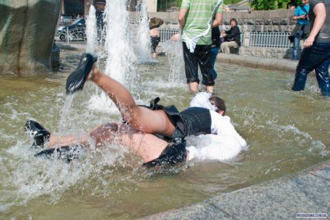 エロの素質が溢れ出るロシアの女子学生。末恐ろしいwwwwwww(画像あり)・35枚目