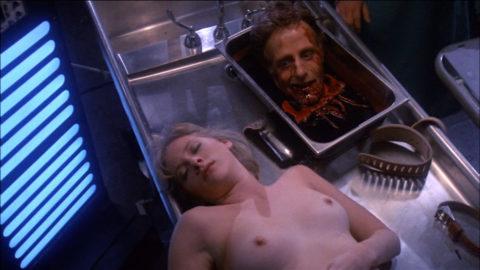 【グロエロ】映画唯一のエロシーン、ただ全裸の女性は遺体です。興奮する??(23枚)・9枚目