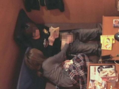 【盗撮】ネカフェ民、カップルの個室を撮影する技を習得するwwwww(画像あり)・42枚目