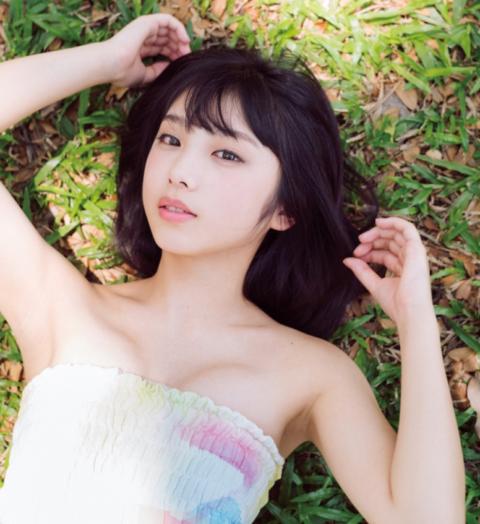 【乃木坂】与田祐希さん(18)写真集で乳首ポッチを晒してしまう。。(画像あり)・26枚目