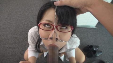 【極マニア】「鼻フック」された強烈ブス女のフェラをご覧くださいwwwwwww・27枚目