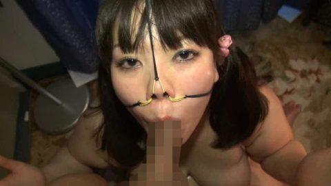 【極マニア】「鼻フック」された強烈ブス女のフェラをご覧くださいwwwwwww・8枚目