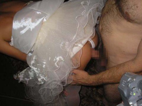 結婚初夜に撮影された海外女子の画像をご覧ください。(画像あり)・17枚目