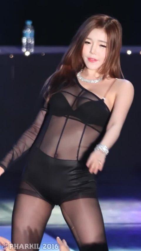 【画像】韓国アイドルダンスグループLAYSHAの座右の銘は「見せてなんぼ」・22枚目