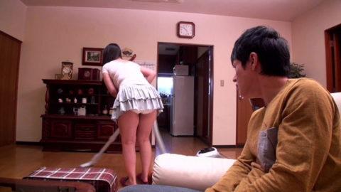 【家庭内盗撮】嫁で興奮しなくなったワイ、ミニスカ妻を撮影してうpするwwwww・22枚目
