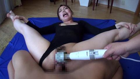 身体が柔らかい軟体女さん、必ずコノ体位を強要されるwwwwwww(画像あり)・24枚目