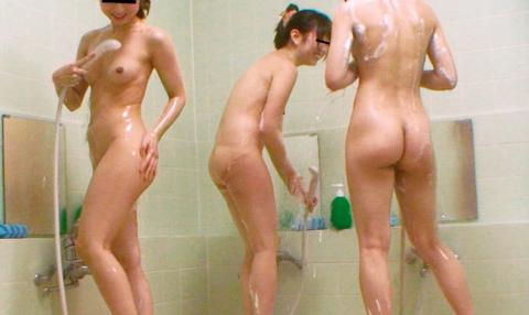 【画像】男は絶対に見れない「女湯」の光景。これパラダイスやわwwwwwww・25枚目