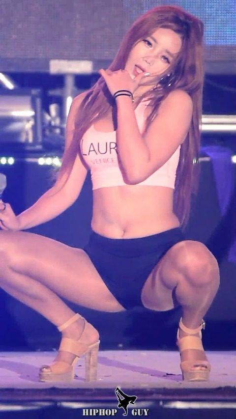 【画像】韓国アイドルダンスグループLAYSHAの座右の銘は「見せてなんぼ」・25枚目