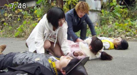 【画像】日曜日の朝から男の股間を刺激する子供番組wwwwww・30枚目