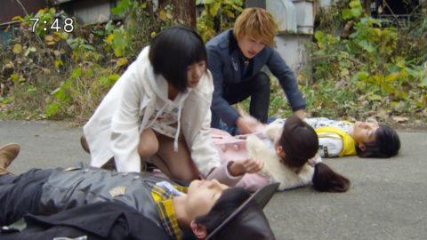 【画像】日曜日の朝から男の股間を刺激する子供番組wwwwww・38枚目