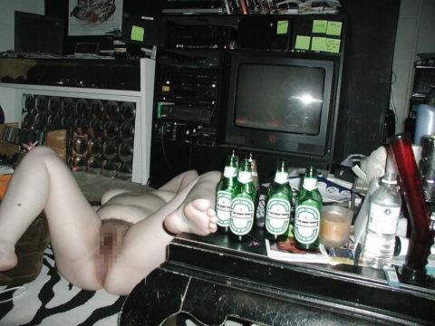 【画像】ビッチの酔いどれまんさん、レイプされても文句言えないよな?・4枚目